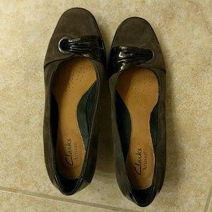 Clarks size 6 1/2 dress shoes